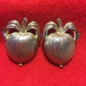 Sarah Coventry Adam's Delight clip earrings